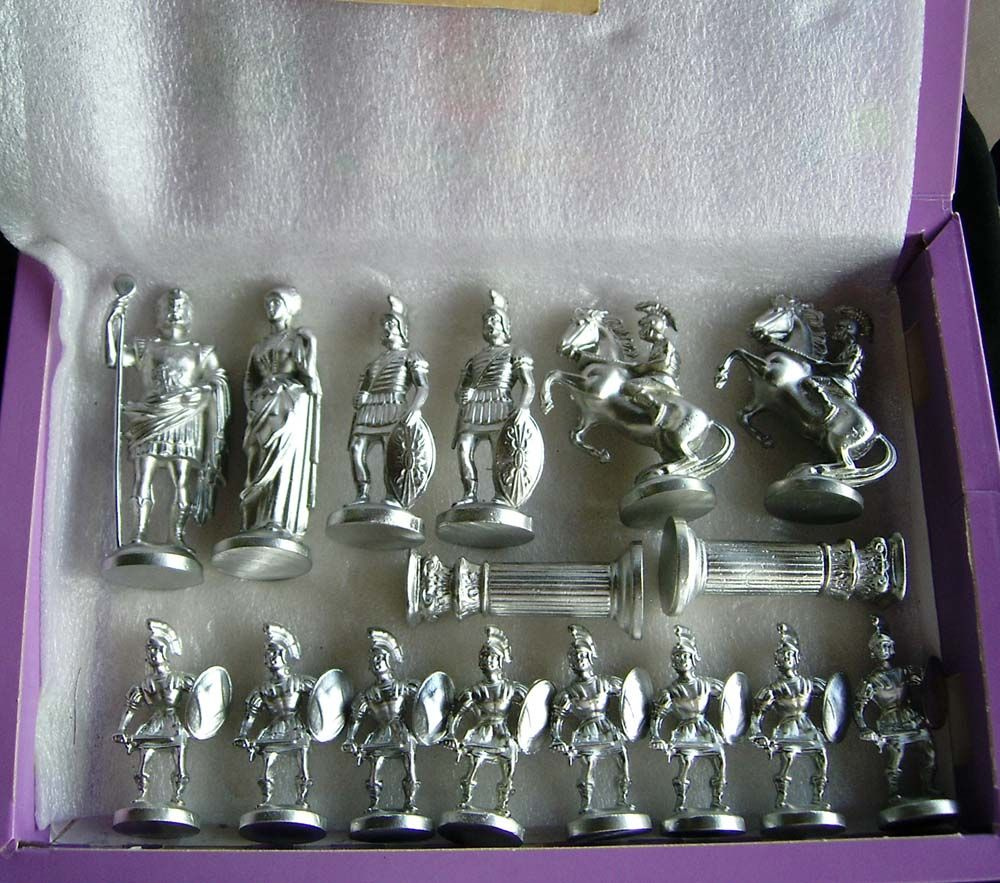 figurines jeu d 39 echec. Black Bedroom Furniture Sets. Home Design Ideas